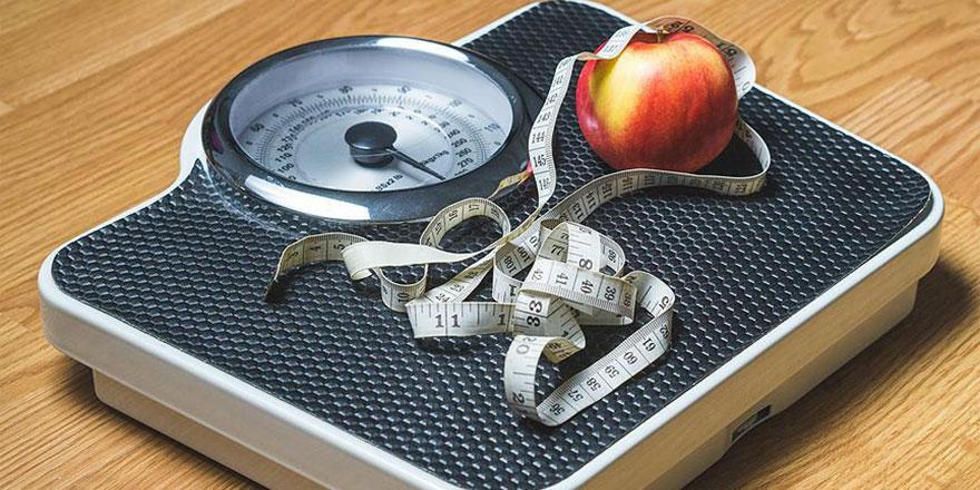 Koronavirüs stresinin neden olabileceği kilo sorunuyla baş edebilmek için öneriler