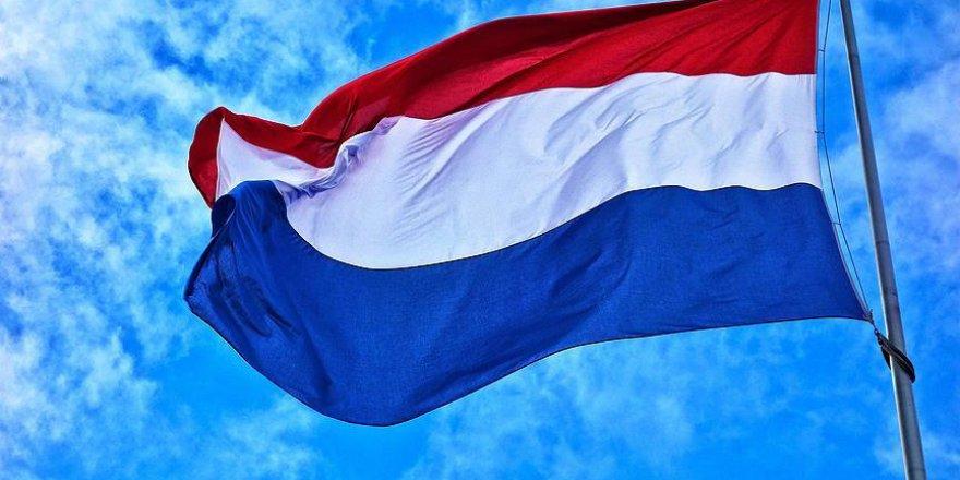 Hollanda'da öğrencilerden hükümet karşıtı protesto