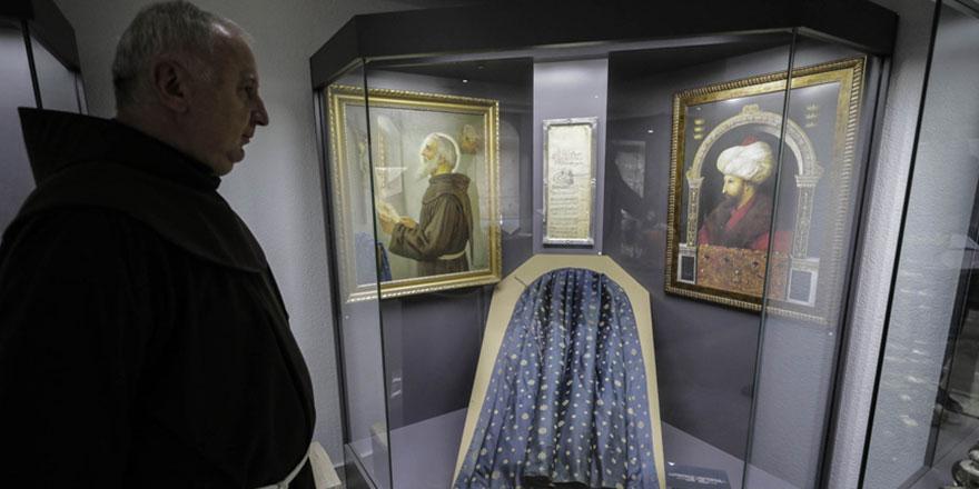 Fatih'in 555 yıl önce rahiplere verdiği özgürlük korunuyor