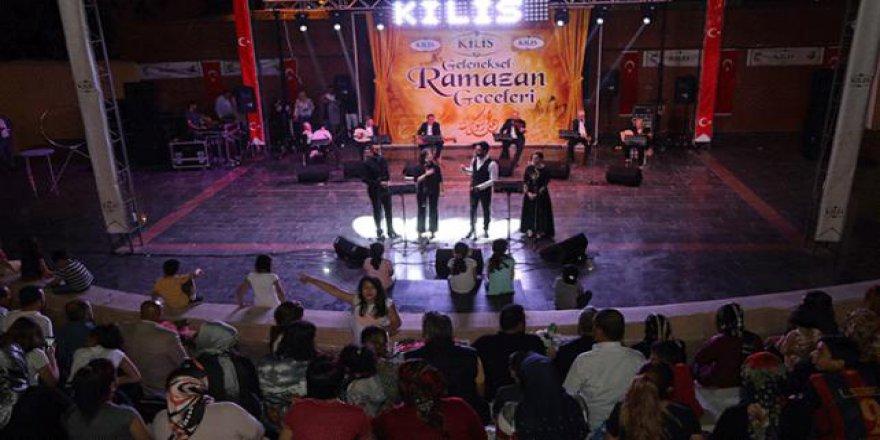 TRT'nin Tasavvuf ve Türk Halk Müziği Grubu sahne aldı