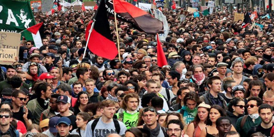 Fransa'da demiryolu işçileri yine greve gitti