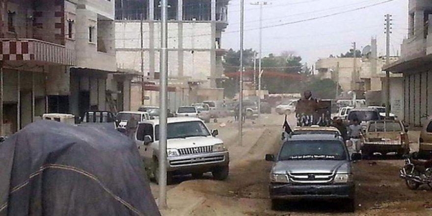 Araplar Rakka'dan çıkarmak istedikleri terör örgütü YPG/PKK'yla çatıştı