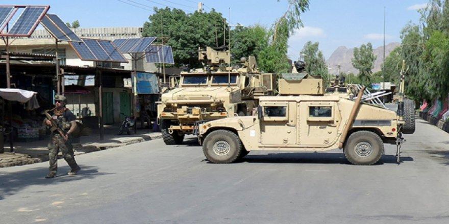 Afganistan İçişleri Bakanlığı yakınında saldırı
