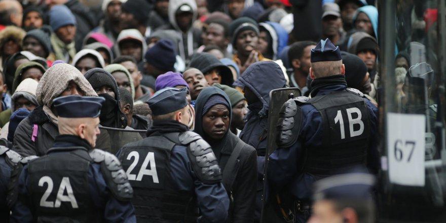 Avrupalılar İslamiyet'i kendi değerlerine yakın görmüyor