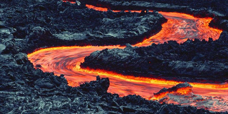 İnsanlar 'Kızgın lav turizmi'nin tehlikelerini idrak edemiyor