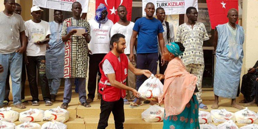 Türk Kızılayı Senegal'in yardımına koştu