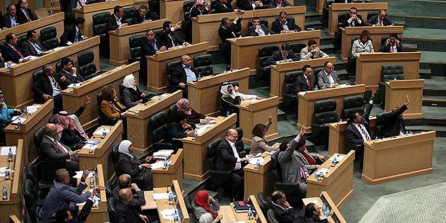Ürdün'de vergi yasası tartışmaları bitmiyor