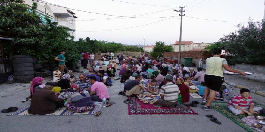 Burhaniye'nin 11 yıllık geleneksel sofraları