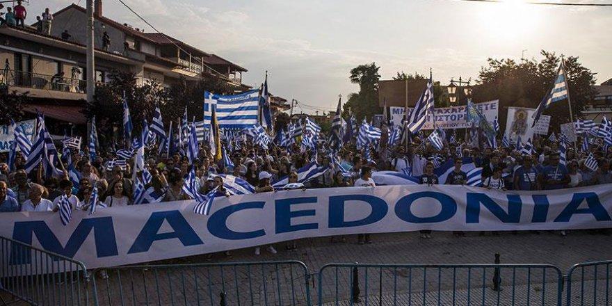 Yunanistan ile Makedonya arasındaki sorun sürüyor