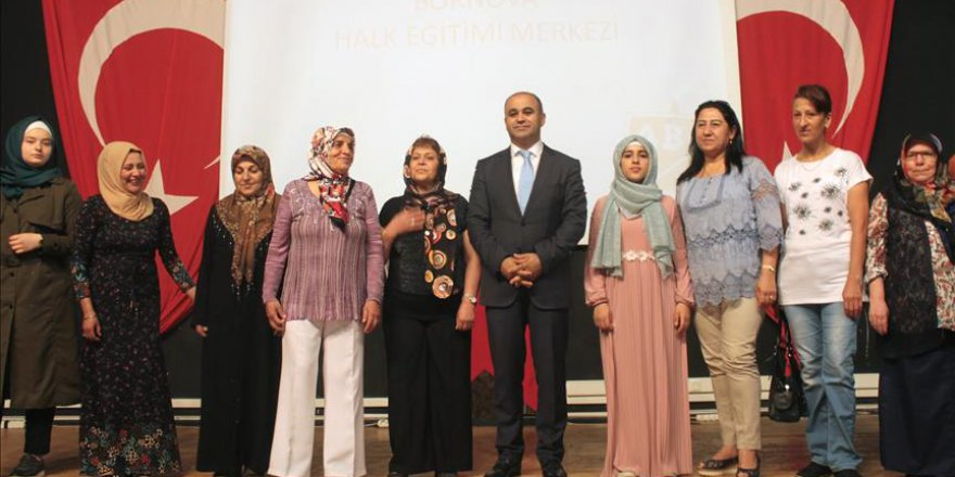 Suriyeli gencin okuma yazma sevinci