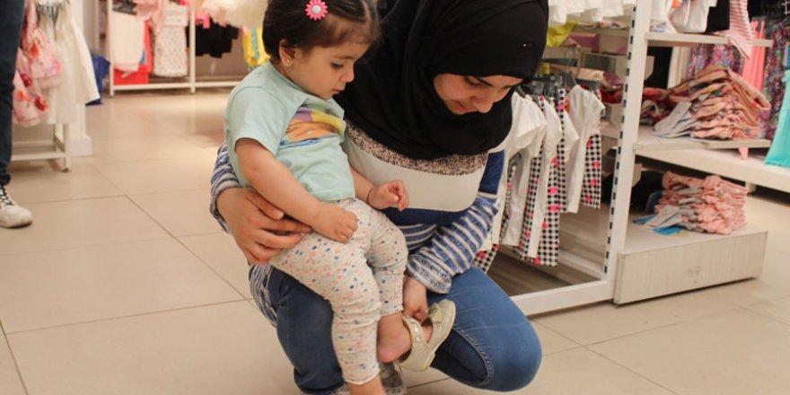 Bayram öncesi ihtiyaç sahibi çocuklara yardım