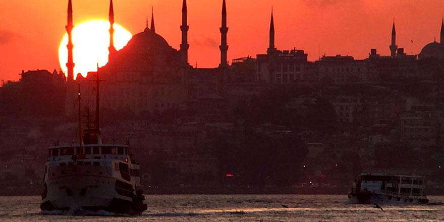 İstanbul'a gelen her 4 turistten biriArap