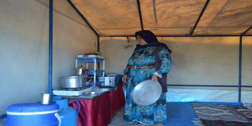 Mevsimlik tarım işçilerinin Ramazan'ı tarlada geçiyor