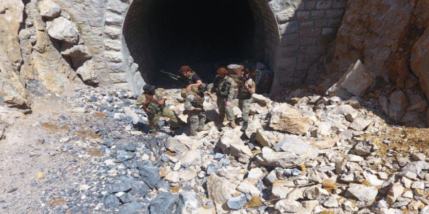 Mehmetçik Afrin'in huzurunu sağlıyor