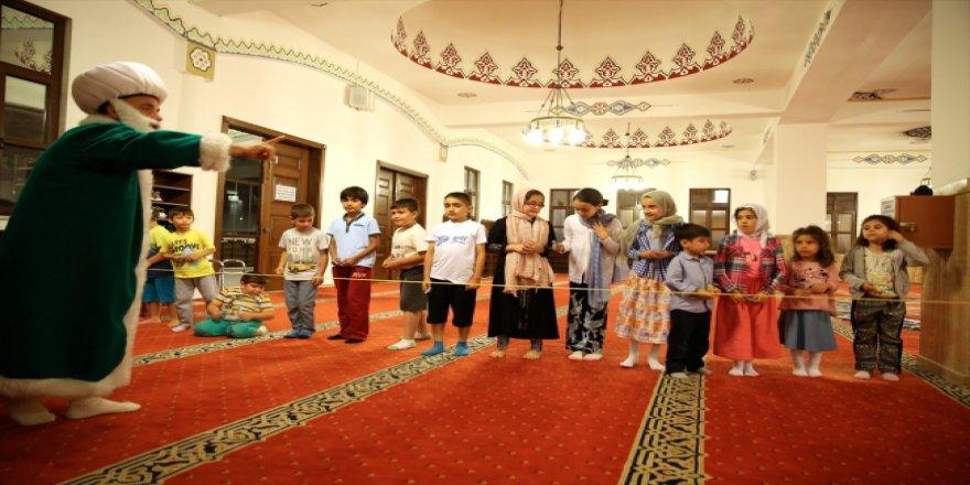 Çocuklar son teravihi Nasreddin Hoca ile birlikte kıldı
