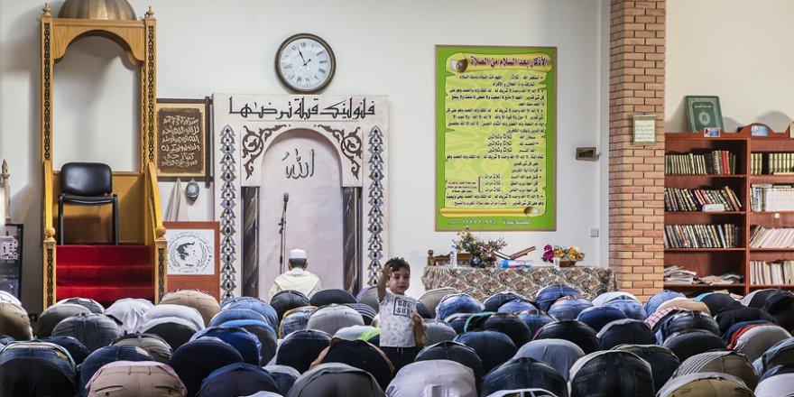 Müslümanlar camisiz bir bayram daha geçirdi