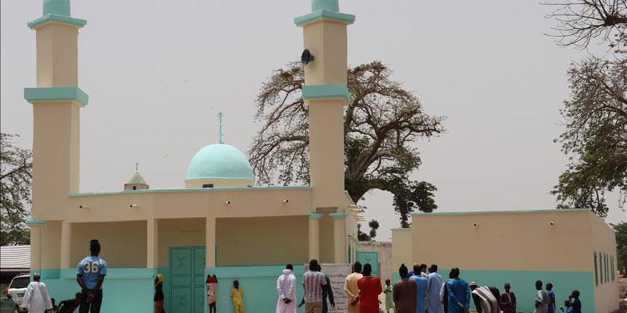 700 kişinin Müslüman olduğu köye cami yapıldı