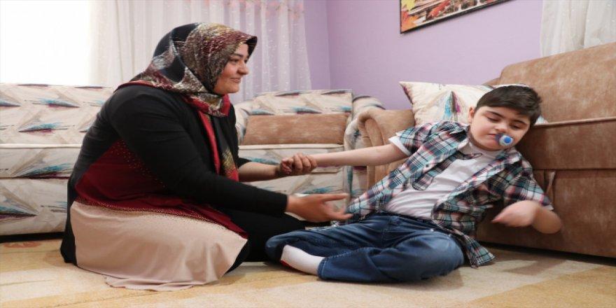 Fedakar anne engelli oğlu sayesinde mücadeleyi öğrendi