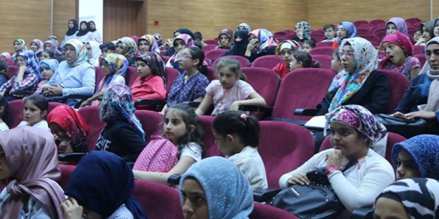 Erzurumlu kadınlara kanser eğitimi