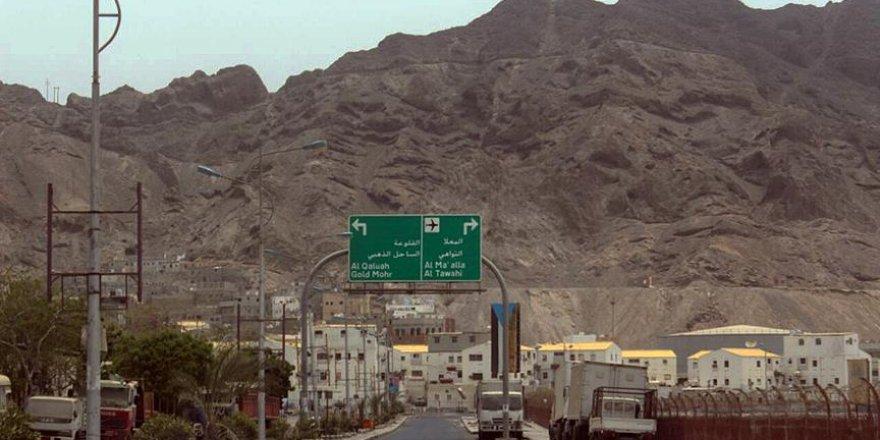 Husilerin elinden alınan Aden şehri hala karışık
