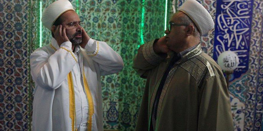 Darbe girişimi gecesi darbedilen imam ile müezzin birlikte sela okudu