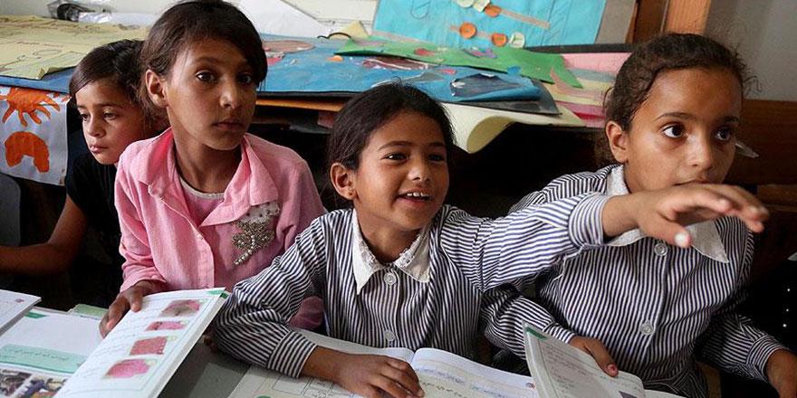 İşgalci İsrail okullarını yıkmasın diye eğitime erken başladılar