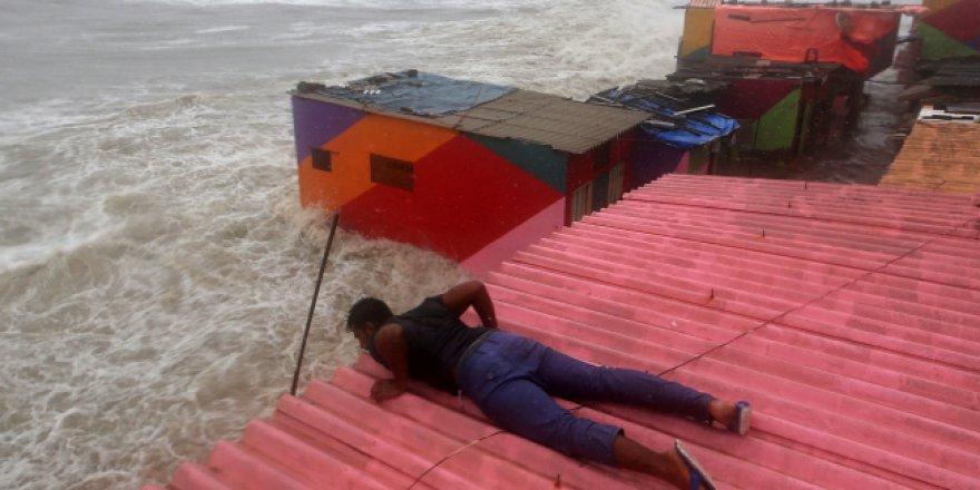 Muson yağmurları nedeniyle 40 kişi öldü