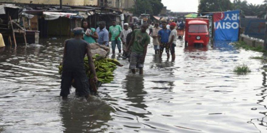Nijerya'da 49 kişi sellerden dolayı öldü