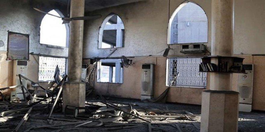 İşgalci İsrail bir camiye havadan saldırdı