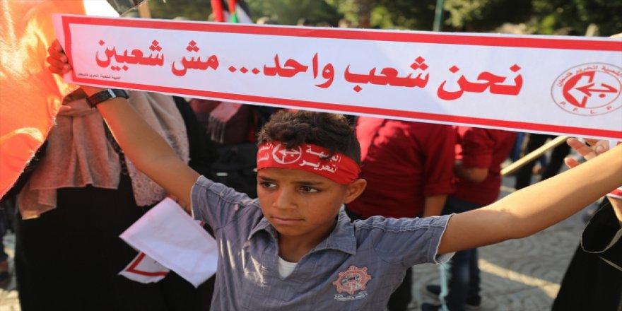 Filistinlilerden Gazze'ye uygulanan yaptırımlara protesto
