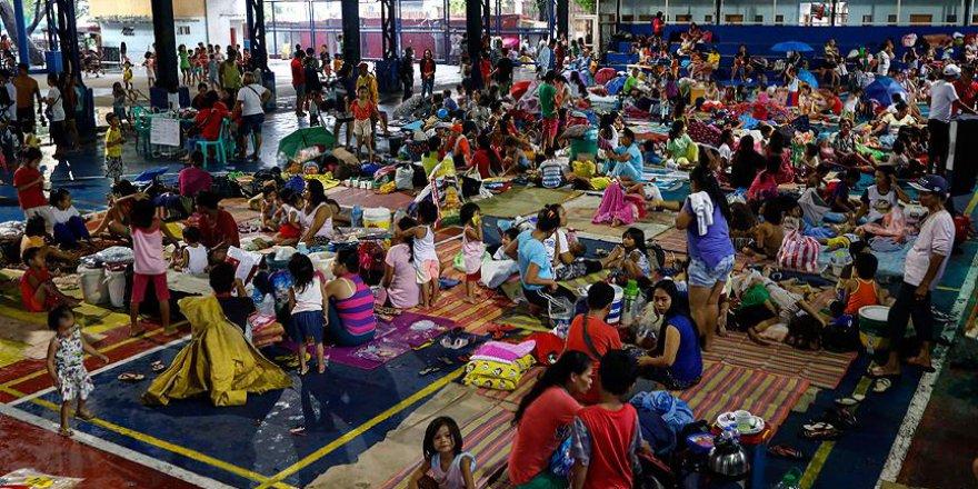 Filipinler'de fırtına nedeniyle 71 bin kişi göç etti