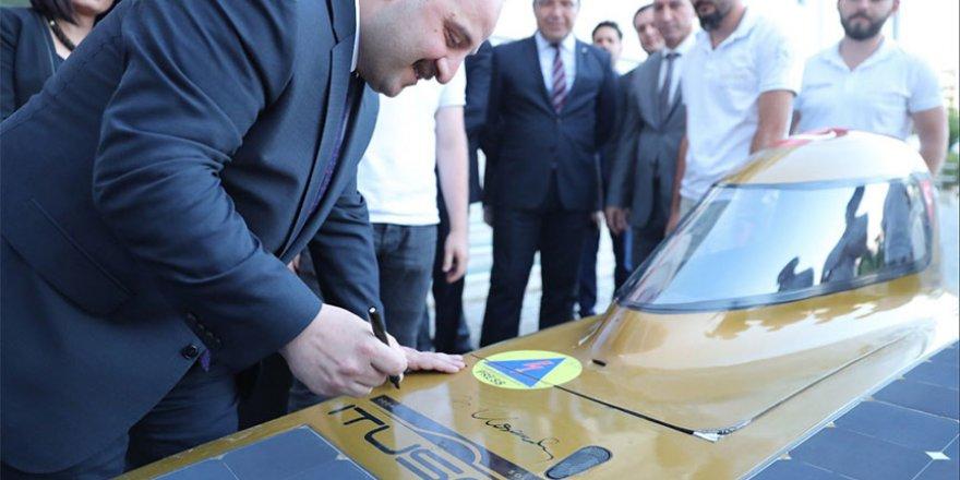 İTÜ Güneş Arabası Ekibi Bakan Varank ile buluştu