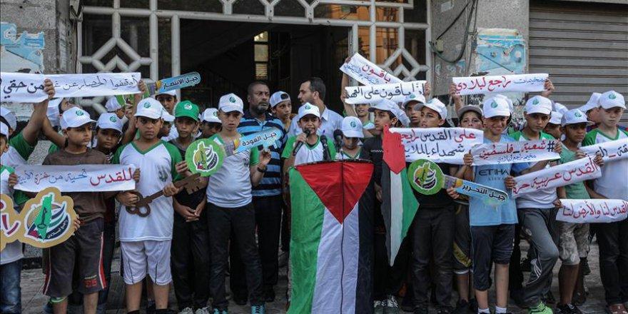 Gazzeli çocuklar İşgalci İsrail'e karşı çıktı