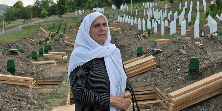 Srebrenitsa'nın sembol ismi Mehmedovic anne vefat etti