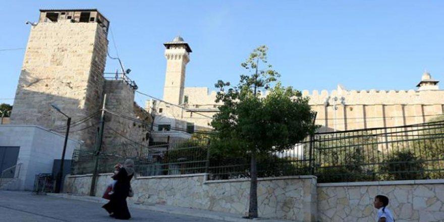 İşgalci İsrail, Harem-i İbrahim Camii'ne girişi yasakladı