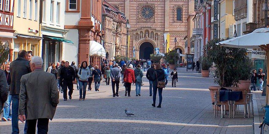 Almanya'da 470 bin kişilik genç nüfus eridi