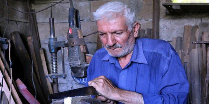 Kurban bıçağı mesleğini 45 yıldır icra ediyor