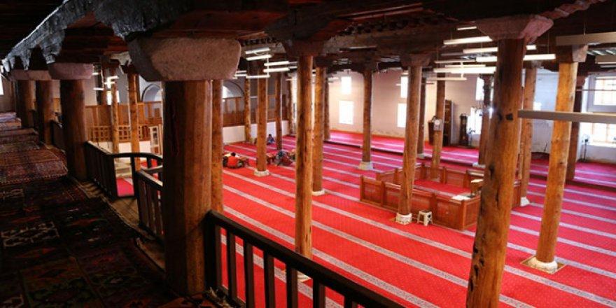 Sivrihisar Ulu Camii ihtişamını kaybetmiyor