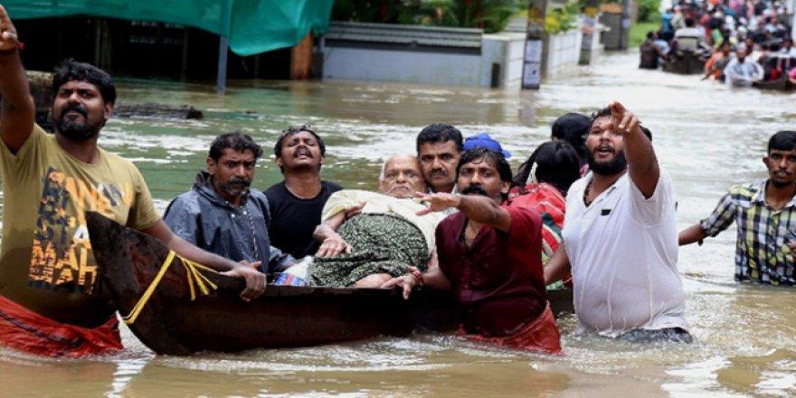Hindistan'daki muson faciasında 300 kişi hayatını kaybetti