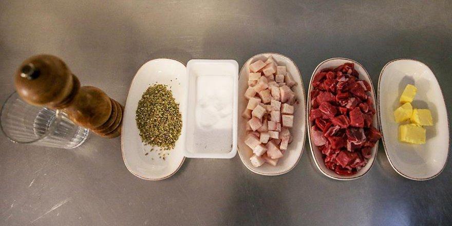 Sağlıkçılar uyarıyor: Bayramda dengeli beslenme önemli