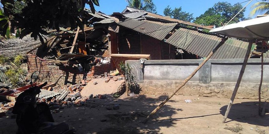 Endonezya'da yine deprem oldu