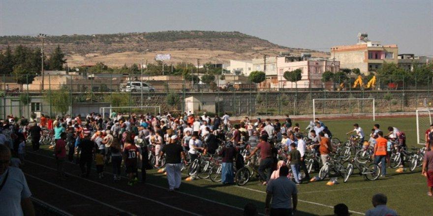 Kilis Belediyesi'nden çocuklara bisiklet sürprizi