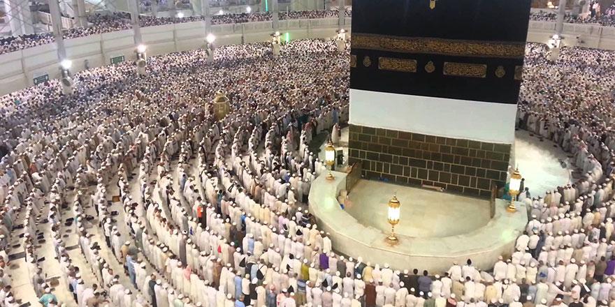 İki milyon Hacı Kabe'de bayram namazı kıldı