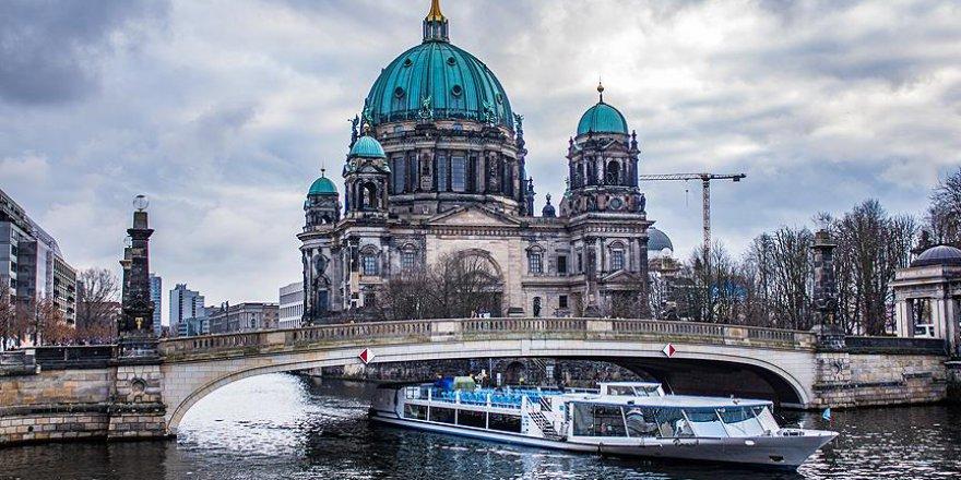 Almanya'da 14 çevreci gözaltına alındı