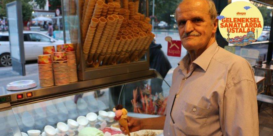 Makedonya'dan geldiği Kütahya'da 60 yıldır dondurmacılık yapıyor