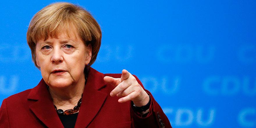 Almanya lideri Merkel'den göç sorununa ilişkin çağrı