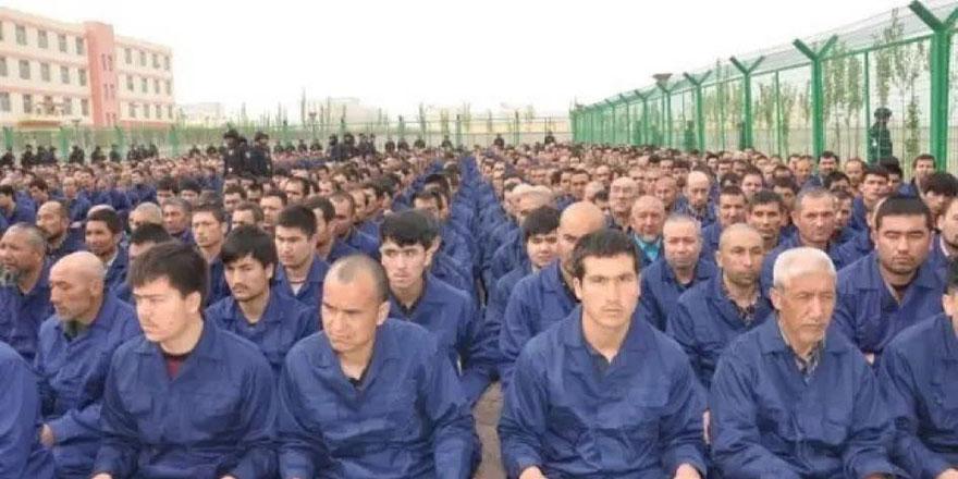 Müslüman Uygurlara yapılanlar görmezden geliniyor