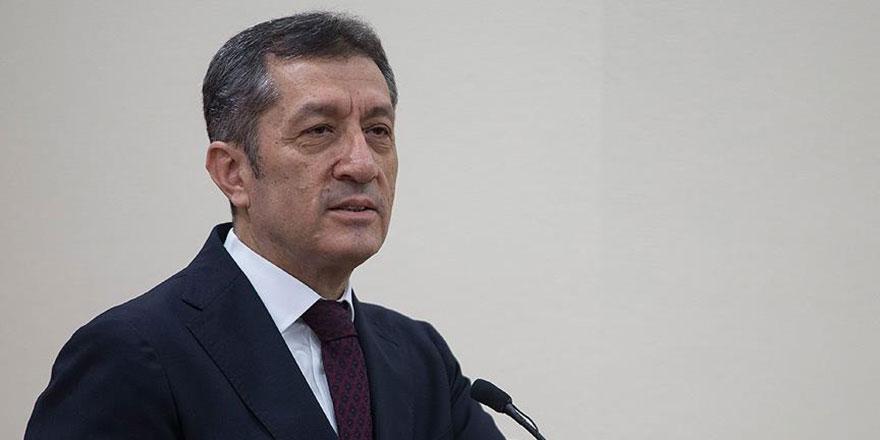 Milli Eğitim Bakanı Ziya Selçuk'tan tatil ve okula başlama yaşı açıklaması