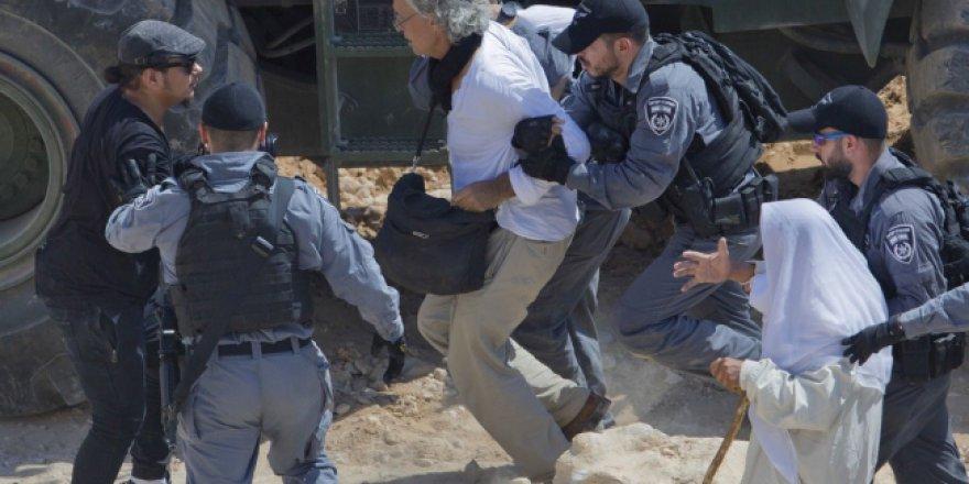 İsrail Fransız akademisyeni sınır dışı etme kararı aldı