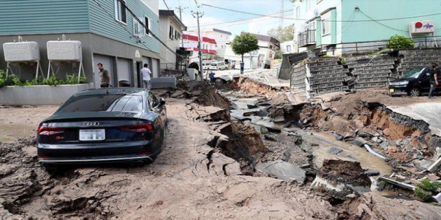Japonya'da deprem nedeniyle milyon dolarlarca hasar oluştu
